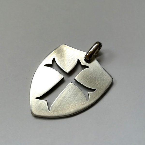 Медальон с кръст